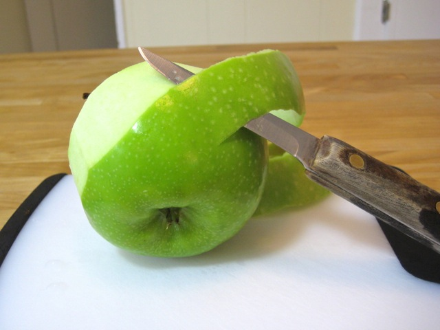 Peeling apple