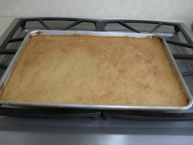 Baked cookie crust out of the oven