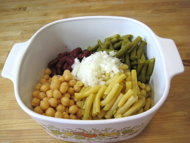 Beans and onion in bowl