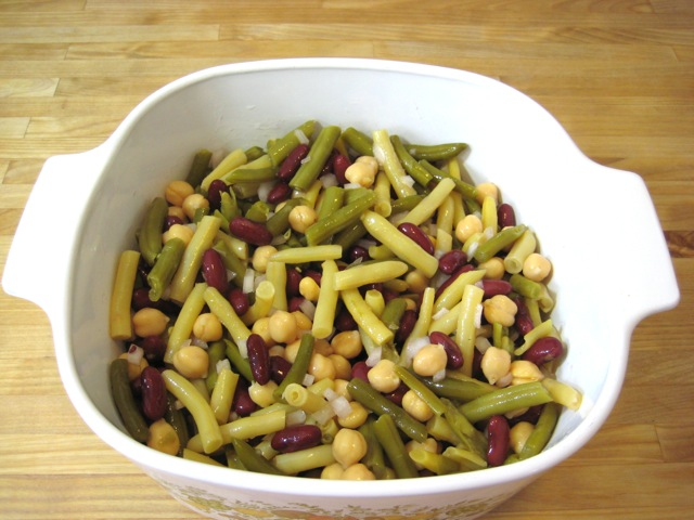 Beans and onion mixed