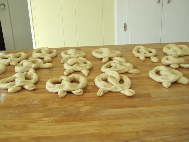 Pretzels rising uncovered for 20 minutes